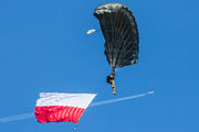- - Poland - Army Parachute Military aircraft