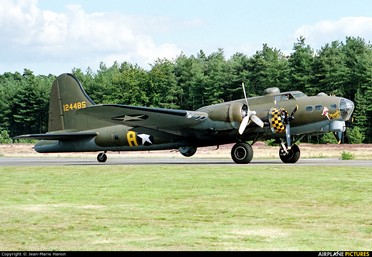 B17 Preservation G-BEDF aircraft at Zoersel (Oostmalle)