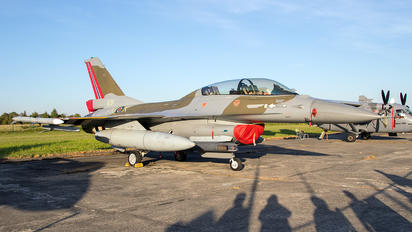 691 - Norway - Royal Norwegian Air Force General Dynamics F-16B Fighting Falcon