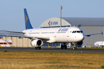 P4-KDA - Air Astana Airbus A321