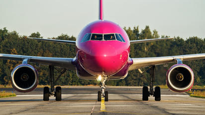 HA-LPN - Wizz Air Airbus A320