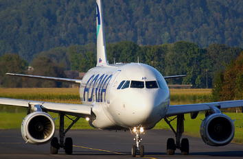 S5-AAP - Adria Airways Airbus A319