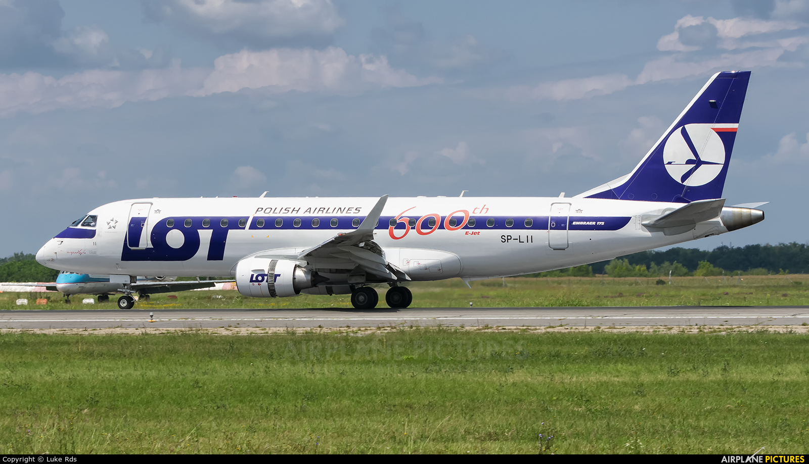 LOT - Polish Airlines SP-LII aircraft at Bucharest - Henri Coandă
