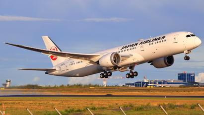 JA870J - JAL - Japan Airlines Boeing 787-9 Dreamliner