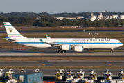 Rare visit of Kuwait Gov Airbus A340 to New York title=