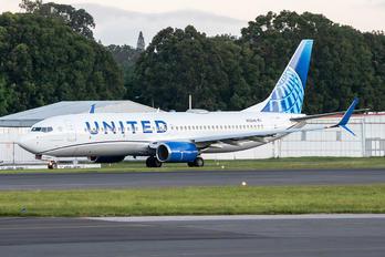 N13248 - United Airlines Boeing 737-800