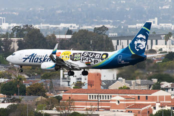 N587AS - Alaska Airlines Boeing 737-800