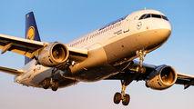 D-AIQU - Lufthansa Airbus A320 aircraft