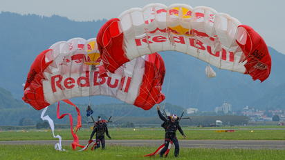 - - Red Bull Parachute Parachutist
