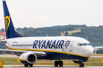 SP-RST - Ryanair Sun Boeing 737-8AS