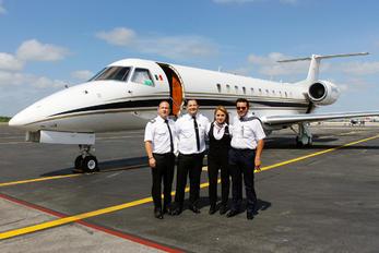 XA-KAD - Private - Aviation Glamour - People, Pilot