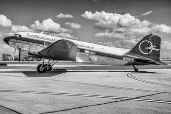 N25641 - Private Douglas DC-3