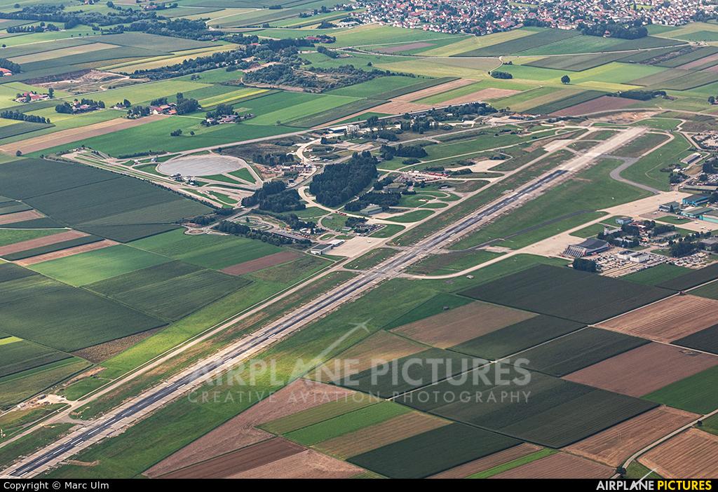 - Airport Overview - aircraft at Memmingen