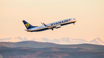 EI-GJJ - Ryanair Boeing 737-800