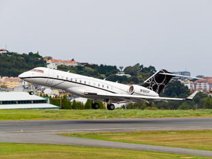 N102CF - Private Bombardier BD-700 Global Express