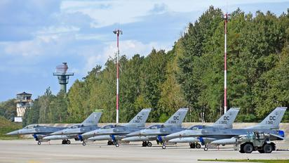- - USA - Air Force Lockheed Martin F-16CM