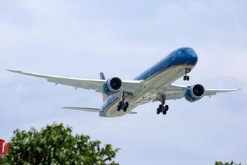 VN-A872 - Vietnam Airlines Boeing 787-10 Dreamliner