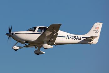 N745AJ - PrivatAir Cirrus SR22