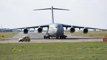 04-4128 - USA - Air Force Boeing C-17A Globemaster III