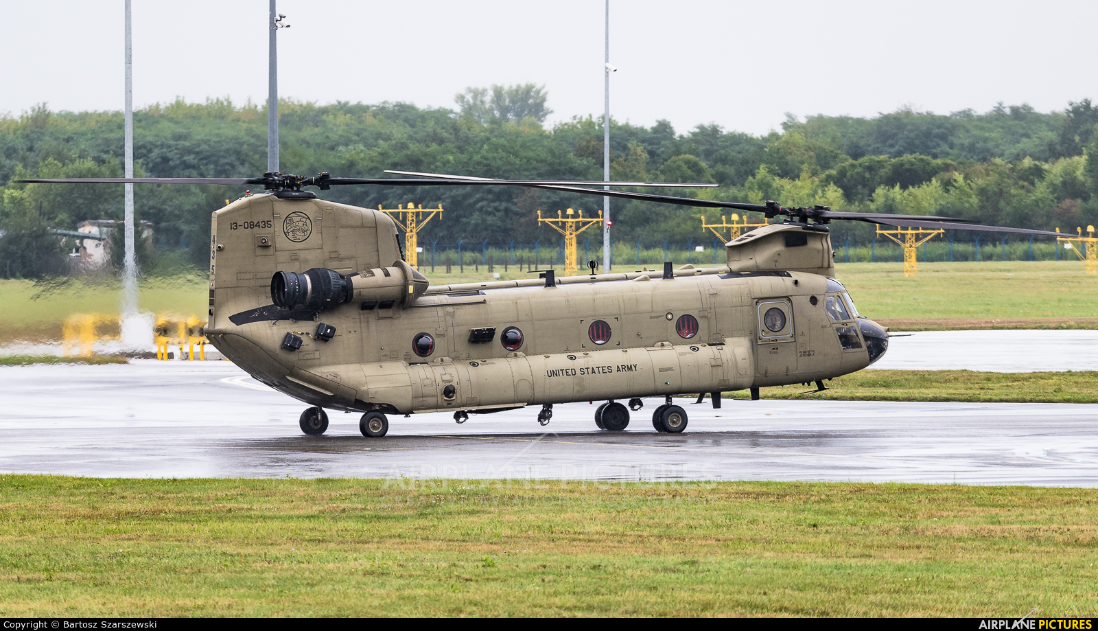 USA - Army 13-08435 aircraft at Wrocław - Copernicus