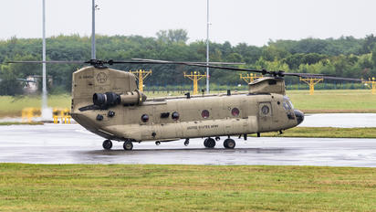 13-08435 - USA - Army Boeing CH-47F Chinook