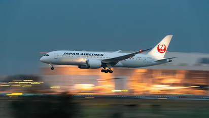 JA844J - JAL - Japan Airlines Boeing 787-8 Dreamliner