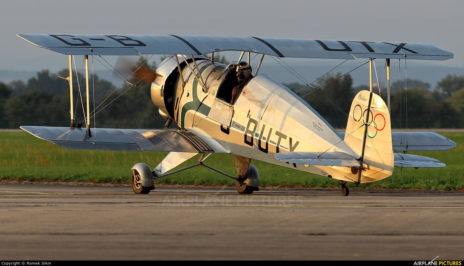Private G-BUTX aircraft at Hradec Králové