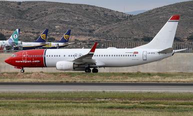 LN-DYQ - Norwegian Air Shuttle Boeing 737-800