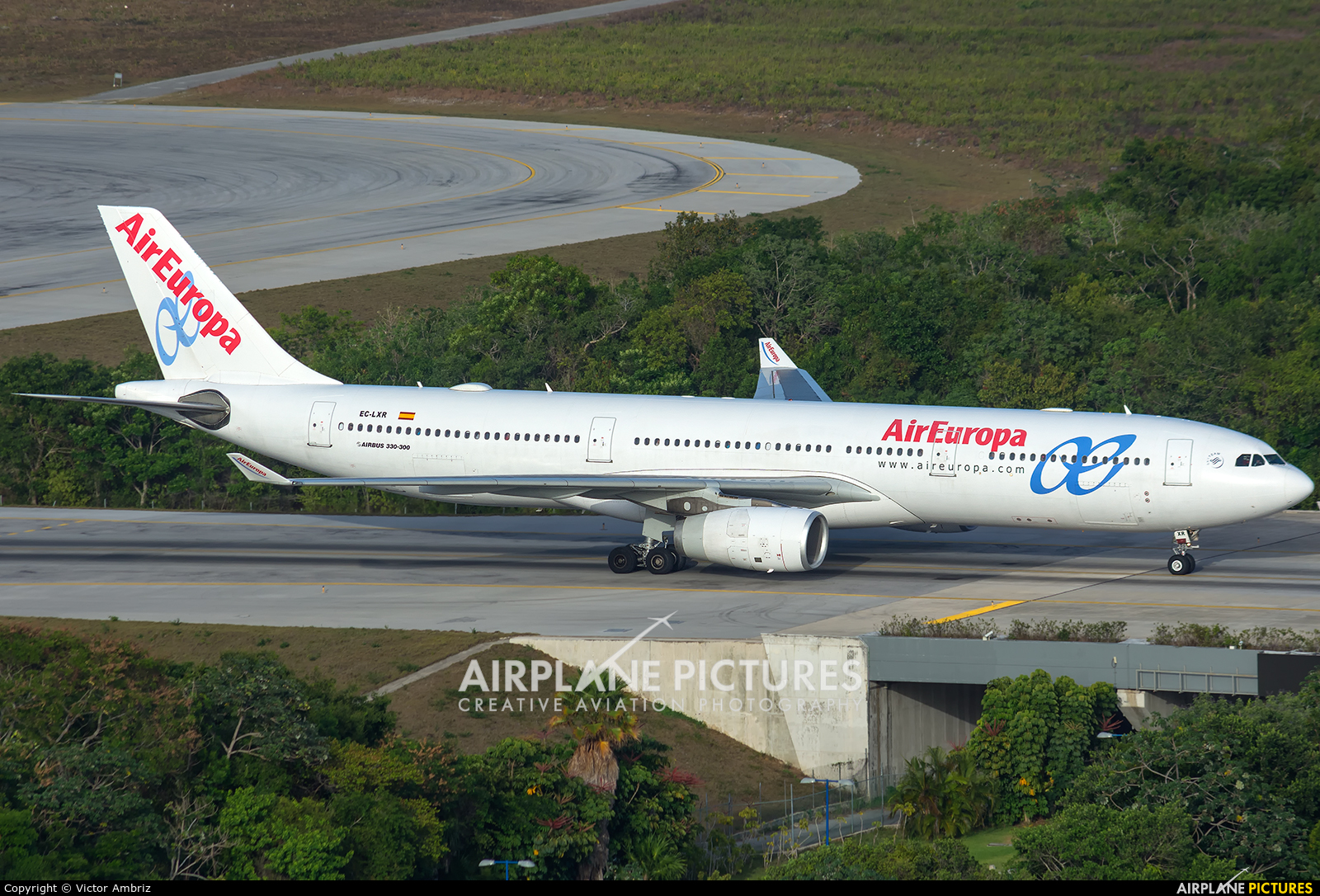 Air Europa EC-LXR aircraft at Cancun Intl