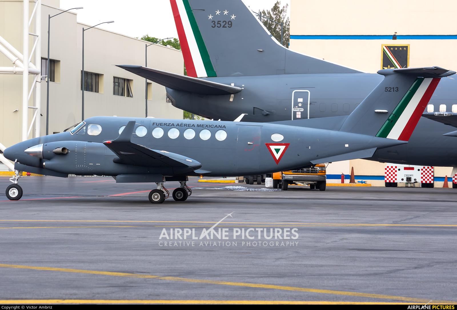 Mexico - Air Force 5813 aircraft at Mexico City - Licenciado Benito Juarez Intl