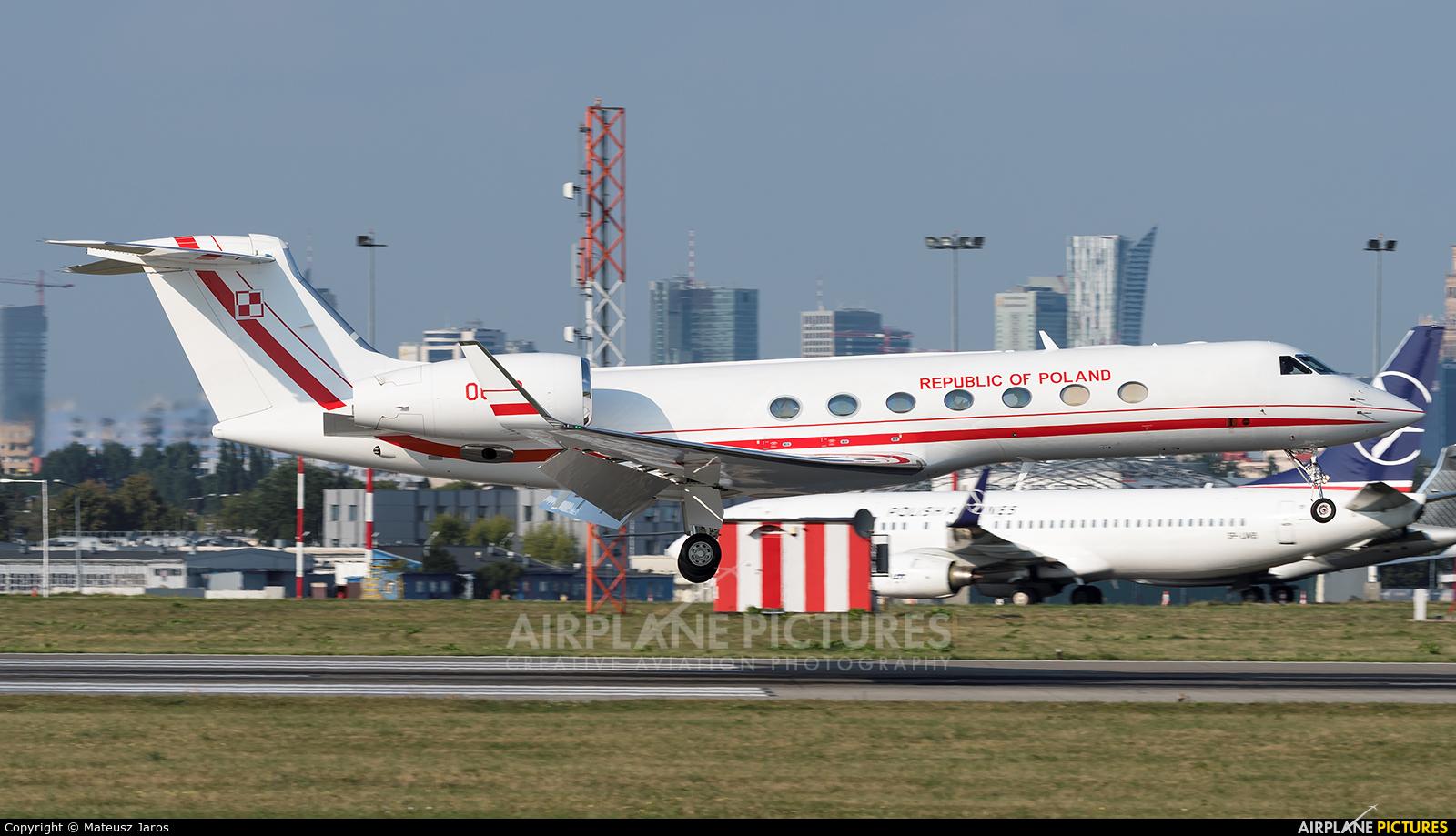 Poland - Air Force 0002 aircraft at Warsaw - Frederic Chopin