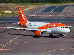 OE-LSY - easyJet Europe Airbus A320