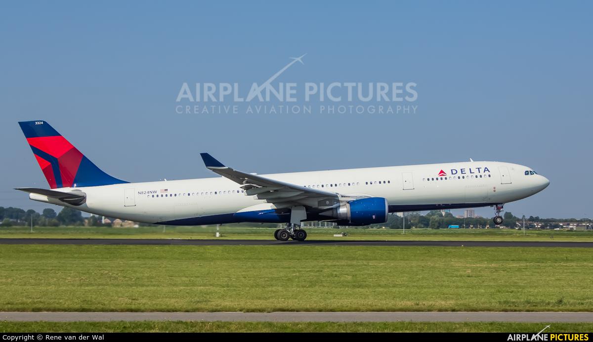 Delta Air Lines N824NW aircraft at Amsterdam - Schiphol
