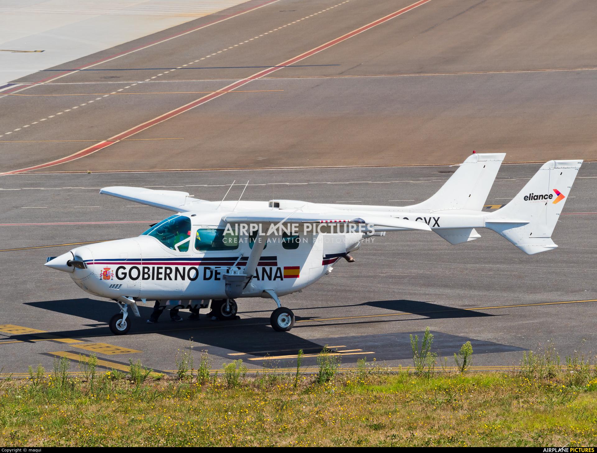 Eliance EC-GVX aircraft at Santiago de Compostela