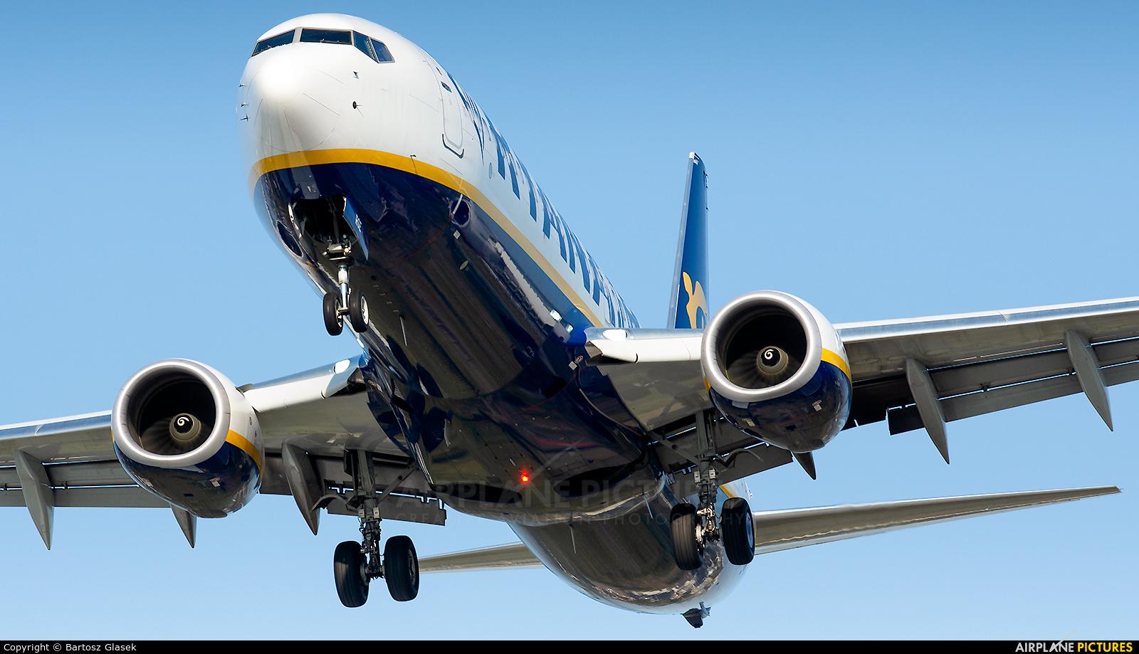Ryanair Sun SP-RSE aircraft at Warsaw - Frederic Chopin