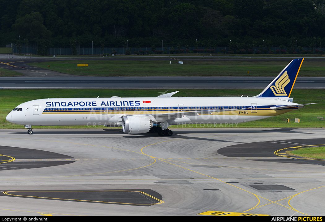 Singapore Airlines 9V-SCL aircraft at Singapore - Changi