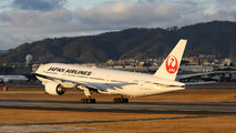 JA009D - JAL - Japan Airlines Boeing 777-200 aircraft