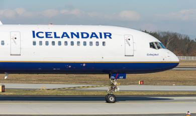 TF-ISZ - Icelandair Boeing 757-200