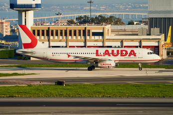 OE-LOB - LaudaMotion Airbus A319