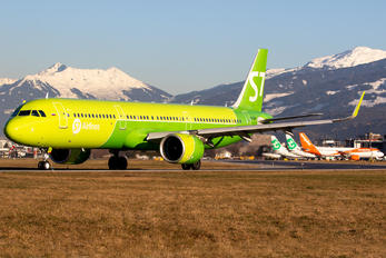 VQ-BGU - S7 Airlines Airbus A321 NEO