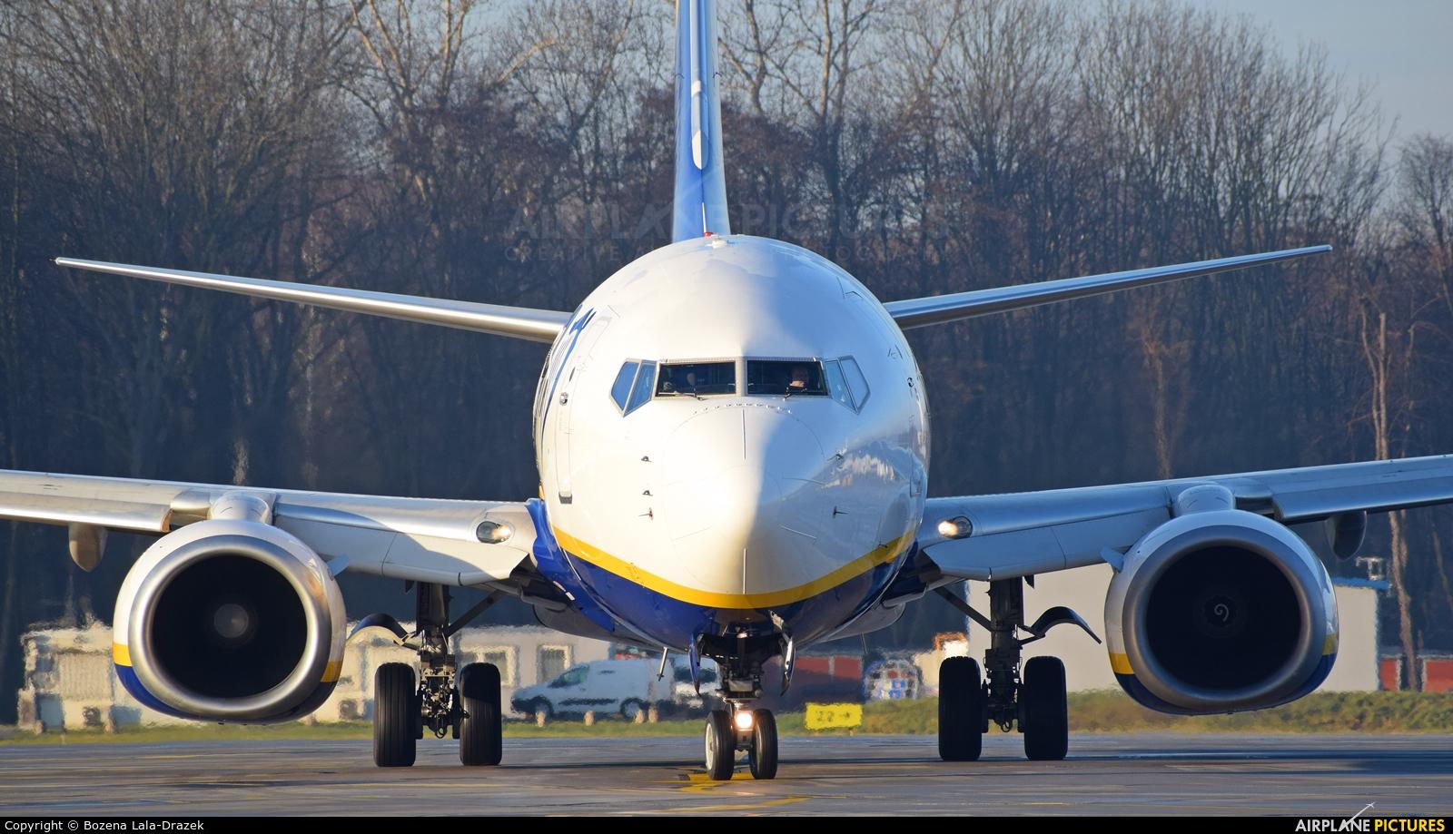 Ryanair EI-EFI aircraft at Kraków - John Paul II Intl