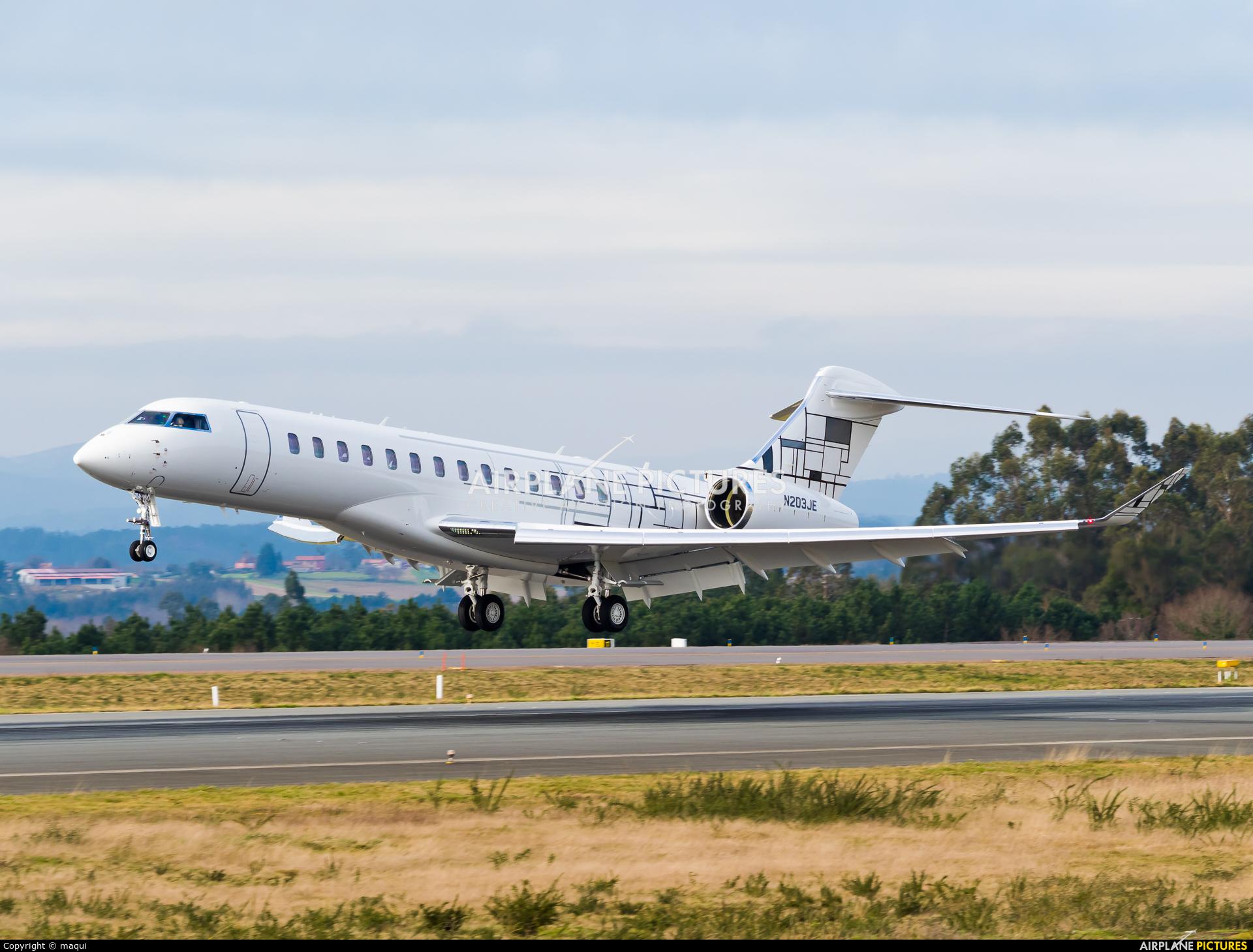 Private N203JE aircraft at Santiago de Compostela