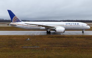 N27964 - United Airlines Boeing 787-9 Dreamliner