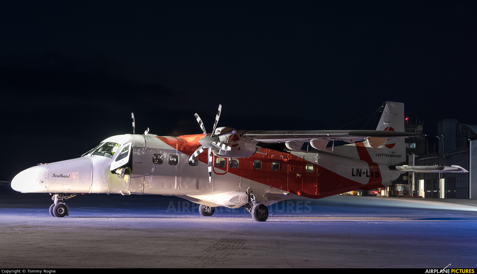 Lufttransport LN-LTS aircraft at Svalbard - Longyearbyen