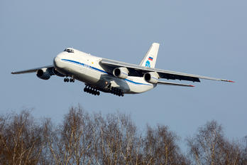 RA-82038 - Russia - Air Force Antonov An-124