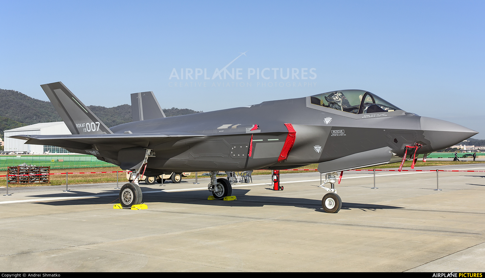 Korea (South) - Air Force 19-007 aircraft at Seongnam AB