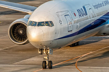 JA755A - ANA - All Nippon Airways Boeing 777-300