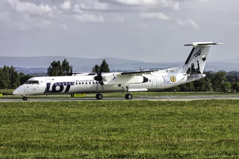 SP-EQK - LOT - Polish Airlines de Havilland Canada DHC-8-402Q Dash 8
