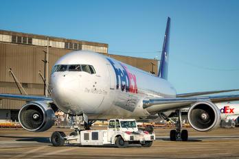 N160FE - FedEx Federal Express Boeing 767-300F