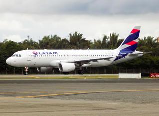 PR-MHP - TAM Airbus A320